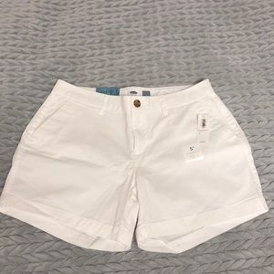 "NWT White size 4 old navy 5"" shorts"